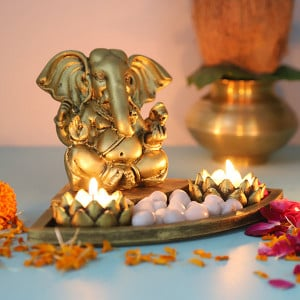Ganpati Set In An Oval Shape Tray - Online Home Decor Items