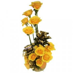 A Golden Creation 15 Yellow Roses - Flower Basket Arrangements Online