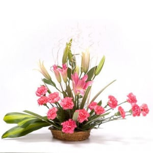 A Bereavement Basket - Flower Basket Arrangements Online