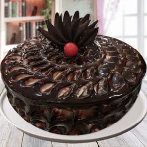 Chocolate Fudge Cake - Online Christmas Gifts Flowers Cakes