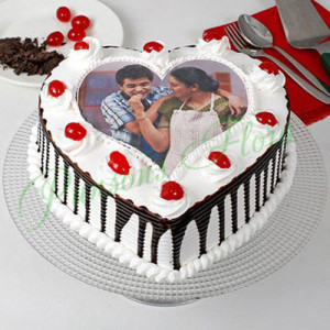 Heart Shaped Photo Cake For Mom Eggless - Send Black Forest Cakes Online