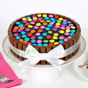 Kit Kat Cake - Online Cake Delivery in Noida
