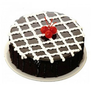 Strawberry On Chocolate Truffle Cake - Send Chocolate Truffle Cakes Online