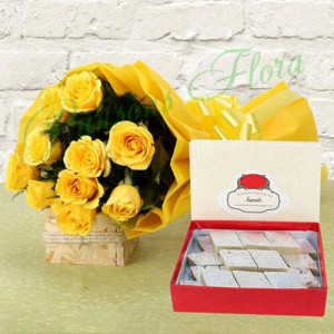 Luscious Festivity - Flowers with Sweets Online