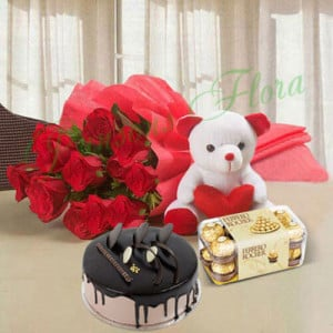 Beautiful Red Rose Hamper Eggless Premium - Flowers with Soft Toys online