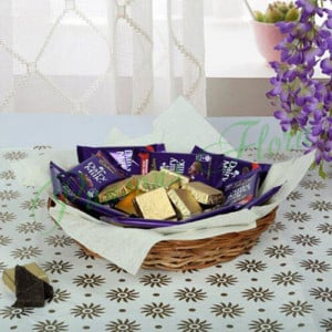 Chocolaty Wish Basket - Online Christmas Gifts Flowers Cakes