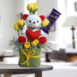 Cute Teddy Surprise - Wedding Anniversary Bouquet with Cake Delivery