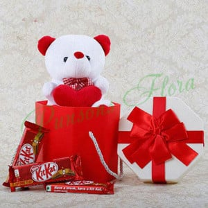 Cuteness Overloaded Combo - Flowers with Soft Toys online