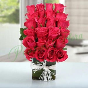 Layered Rose Arrangement - Glass Vase Arrangements