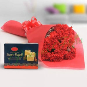 Luscious Combo - Flowers with Sweets Online