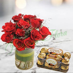 Roses n Ferrero Christmas Gift - Send Flowers and Chocolates Online
