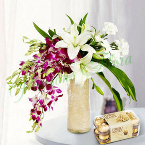 Royal Floral Arrangement With Rocher - Send Flowers and Chocolates Online