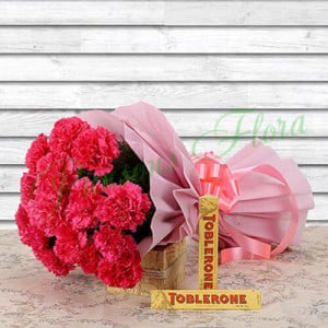 Stunning Combo - Send Flowers and Chocolates Online