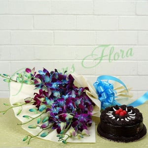 True Admiration Combo - Flowers and Cake Online