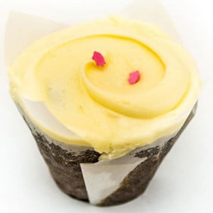Butterscotch Top Blue 6 Cup Cakes - Send Cup Cakes Online
