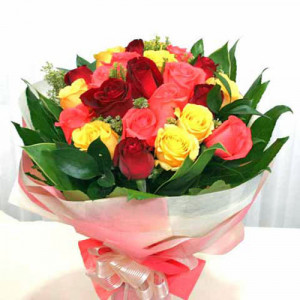 12 Short Stem Mixed Roses - Rose Day Gifts Online