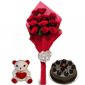 Love Treat for you - Flowers and Cake Online