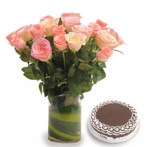 Vase N Pink Roses - Wedding Anniversary Bouquet with Cake Delivery
