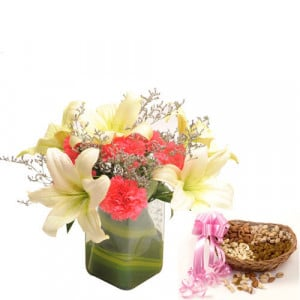 Contemporary Elegance - Buy Flowers with Dry Fruits Online in India