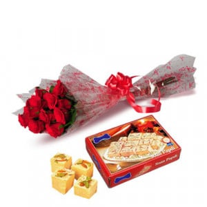 Roses with SonePapri - Flowers with Sweets Online