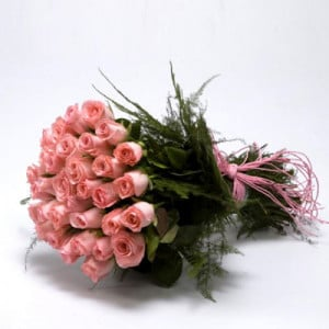 30 Pink Roses Bunch - Send Midnight Delivery Gifts Online