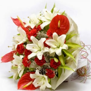 Queen of my heart - Online Flowers Delivery in Zirakpur