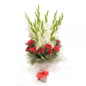 Charming Beauty - Online Flowers and Cake Delivery in Hyderabad