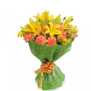 Dual Shaded Carnations - Flower delivery in Bangalore online