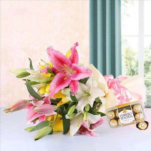 Exotic Gifts - Wedding Anniversary Bouquet with Cake Delivery
