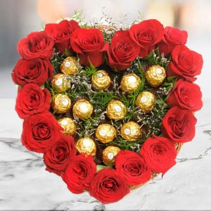 Heart Shape Love - Valentine's Day Flowers and Chocolates