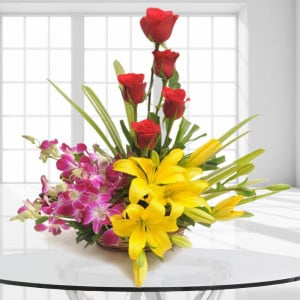 Sweet Splendor Flowers India - Flower Basket Arrangements Online