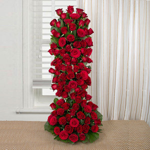 Long Live Love 100 Red Roses Online - Send flowers to Ahmedabad