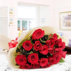 Roses And Love 25 Red Roses - Kiss Day Gifts Online