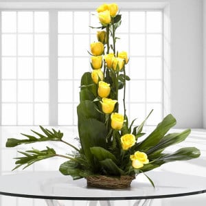 Beautiful Colors 15 Yellow Online Roses from Way2flowers - Online Flowers Delivery In Pinjore