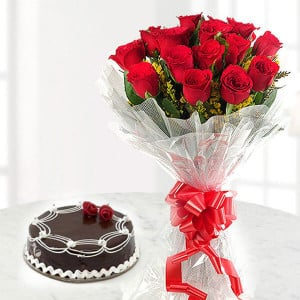 Choco Love | Online Cake Delivery - Send Flowers to Ludhiana