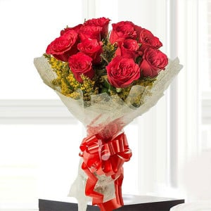 Emotions 12 Red Roses - Kiss Day Gifts Online