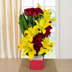 Hearteous Confession 8 Yellow Asiatic Lilies and 20 Red Roses - Glass Vase Arrangements