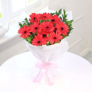 Beautiful Day 10 Red Gerberas Online - Send Midnight Delivery Gifts Online