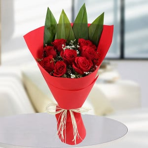 Love With Care 8 Red Roses - Send Flowers to Jamshedpur | Online Cake Delivery in Jamshedpur