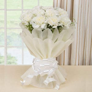 10 White Carnations Online - Send Midnight Delivery Gifts Online