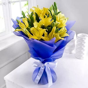 Asiatic Lilies 6 Yellow Lilies Online - Send Birthday Gift Hampers Online