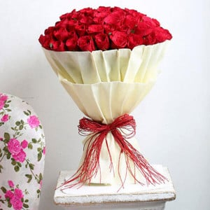 Hot 100 Red Roses Online - Flowers Delivery in Chennai