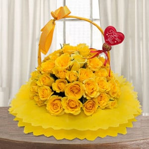 Golden Glow 30 Yellow Roses Online - Flower Basket Arrangements Online