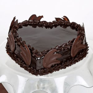 Online Love Heart Chocolate Truffle - Send Chocolate Truffle Cakes Online
