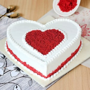 Upside Down Vanilla Cake - Send Heart Shaped Cakes Online