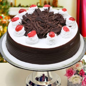 Online Black Forest 1kg - Online Cake Delivery in Karnal