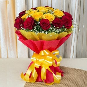 Big Hug 50 Red Yellow Roses - Send Valentine Gifts for Him Online