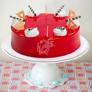 Round Shape Strawberry Top Cake - Birthday Gifts Online