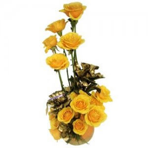 A Golden Creation 15 Yellow Roses Online from Way2flowers - Rose Day Gifts Online