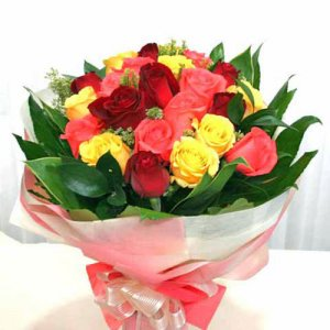 12 Short Stem Mixed Roses  -  Online Flower Delivery in India